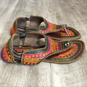 King Colorful Embroidered Thong Sandals